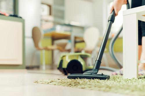 vacuum-the-carpet